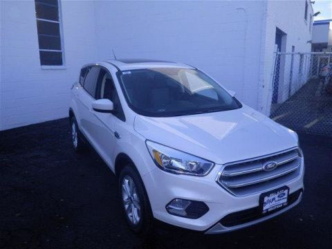 New 2017 Ford Escape SE 4WD